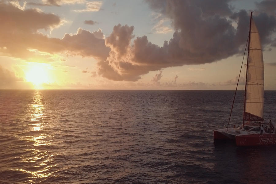 <span>Vidéos</span>Lady la Fee – Croisière en catamaran – Réunion